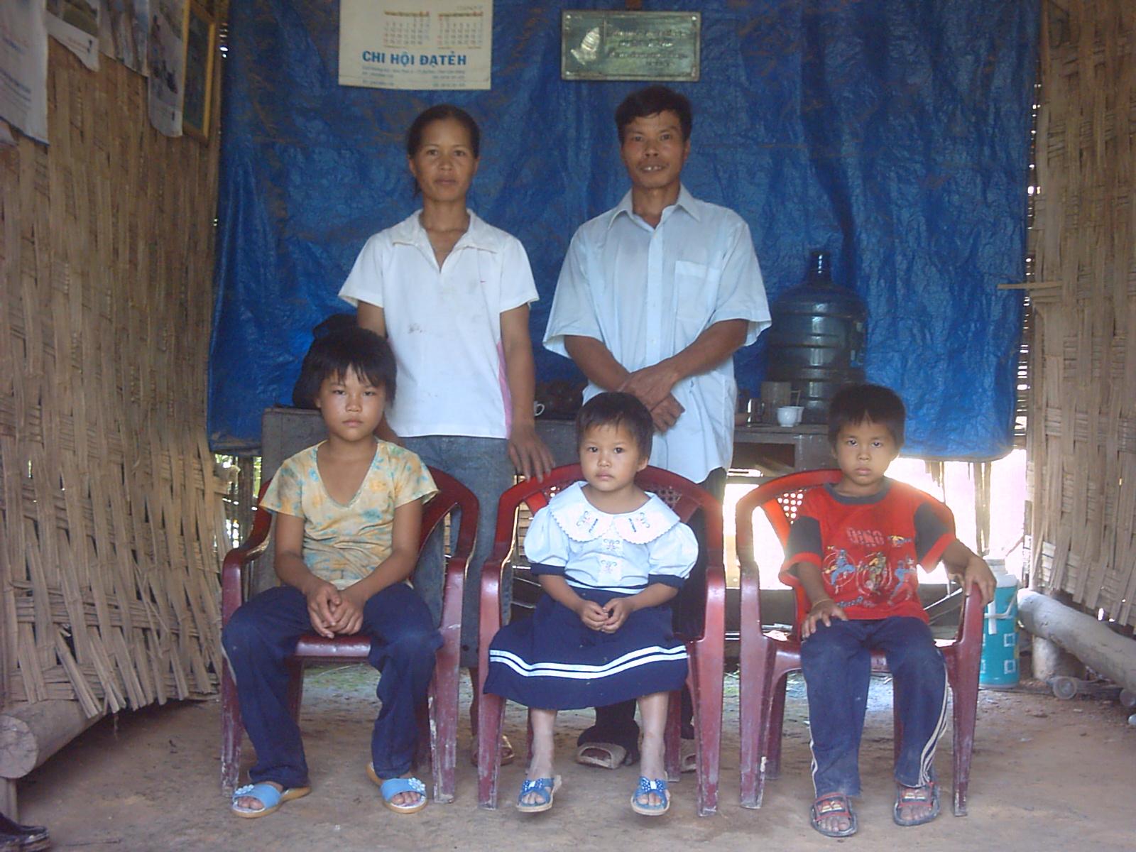 Một gia đình tín hữu ở Đạ Hoai.