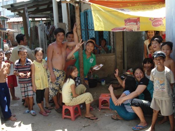 Cảnh sinh hoạt thông thường của người Việt