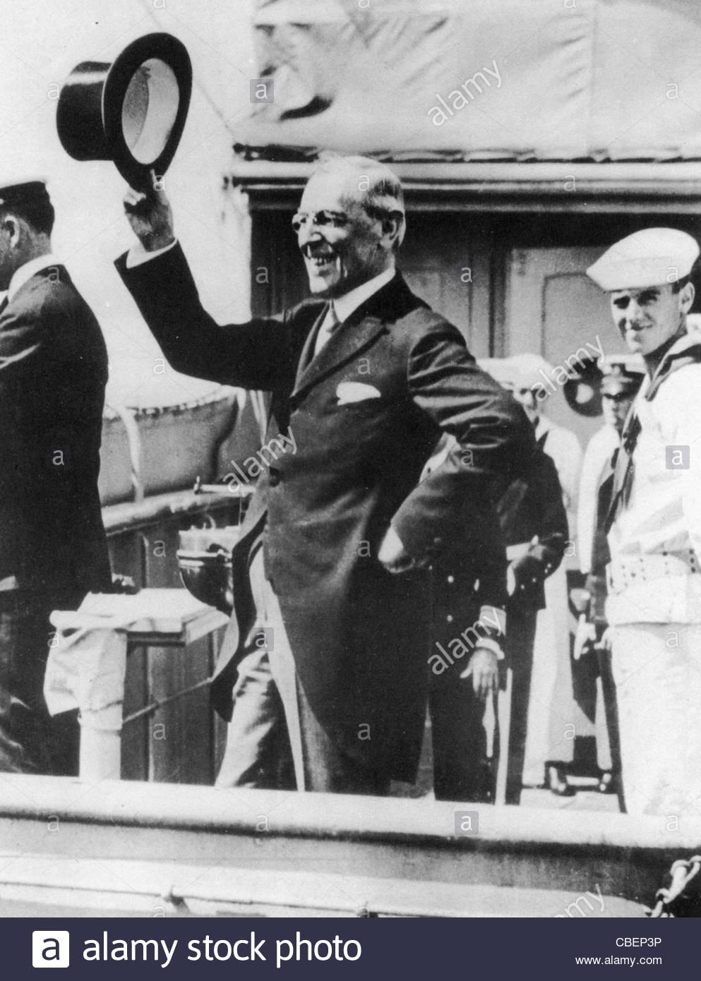 us-president-woodrow-wilson-1856-1924-leaves-new-york-on-the-george-CBEP3P
